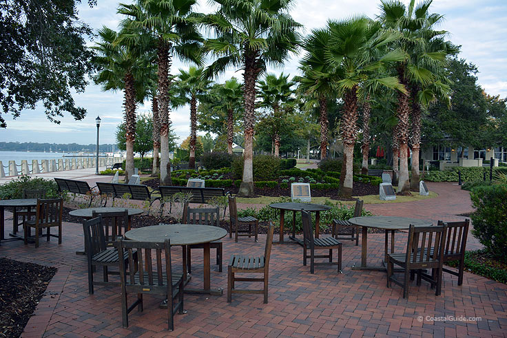 Waterfront Park dining in Beaufort SC